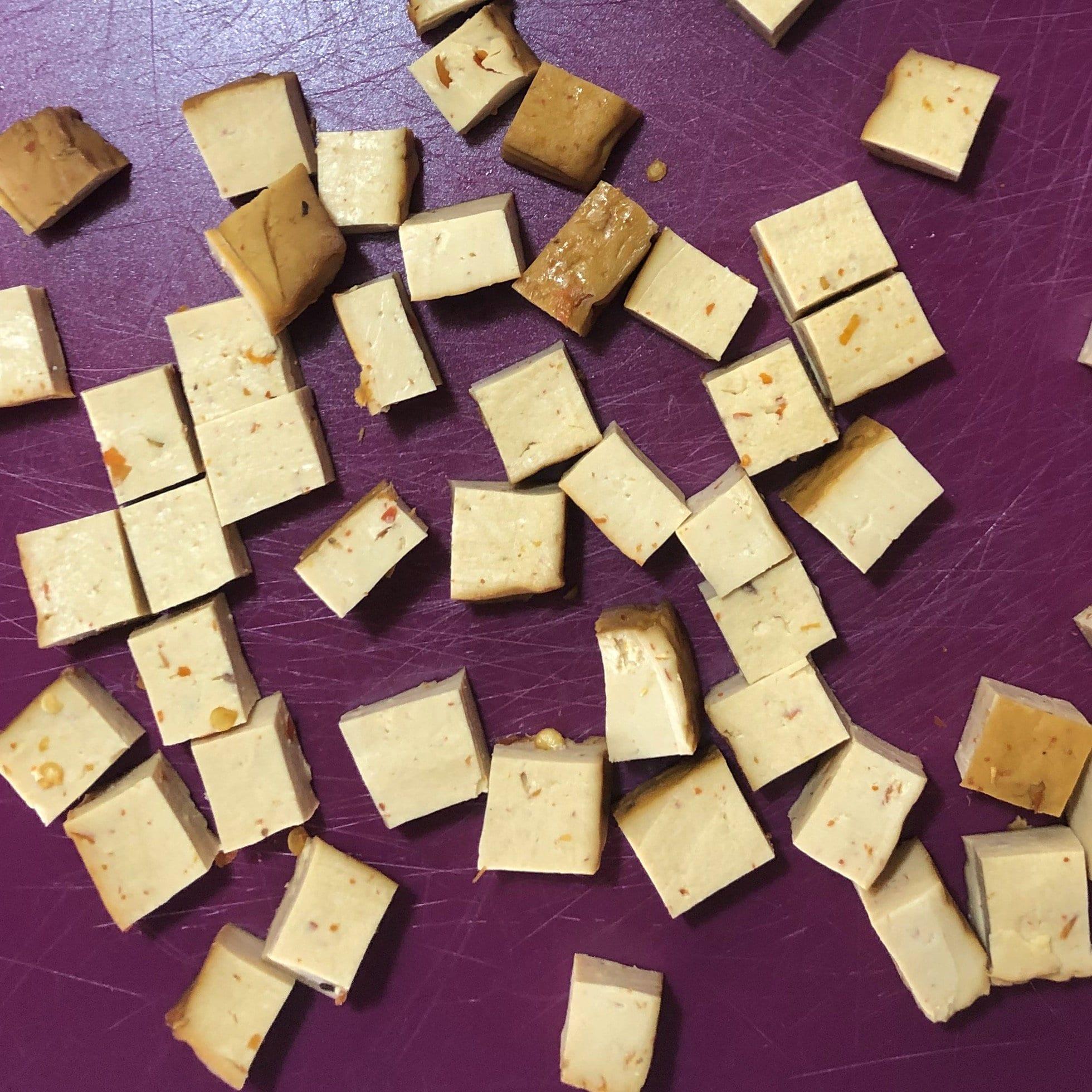 Soyganic sriracha tofu cubed