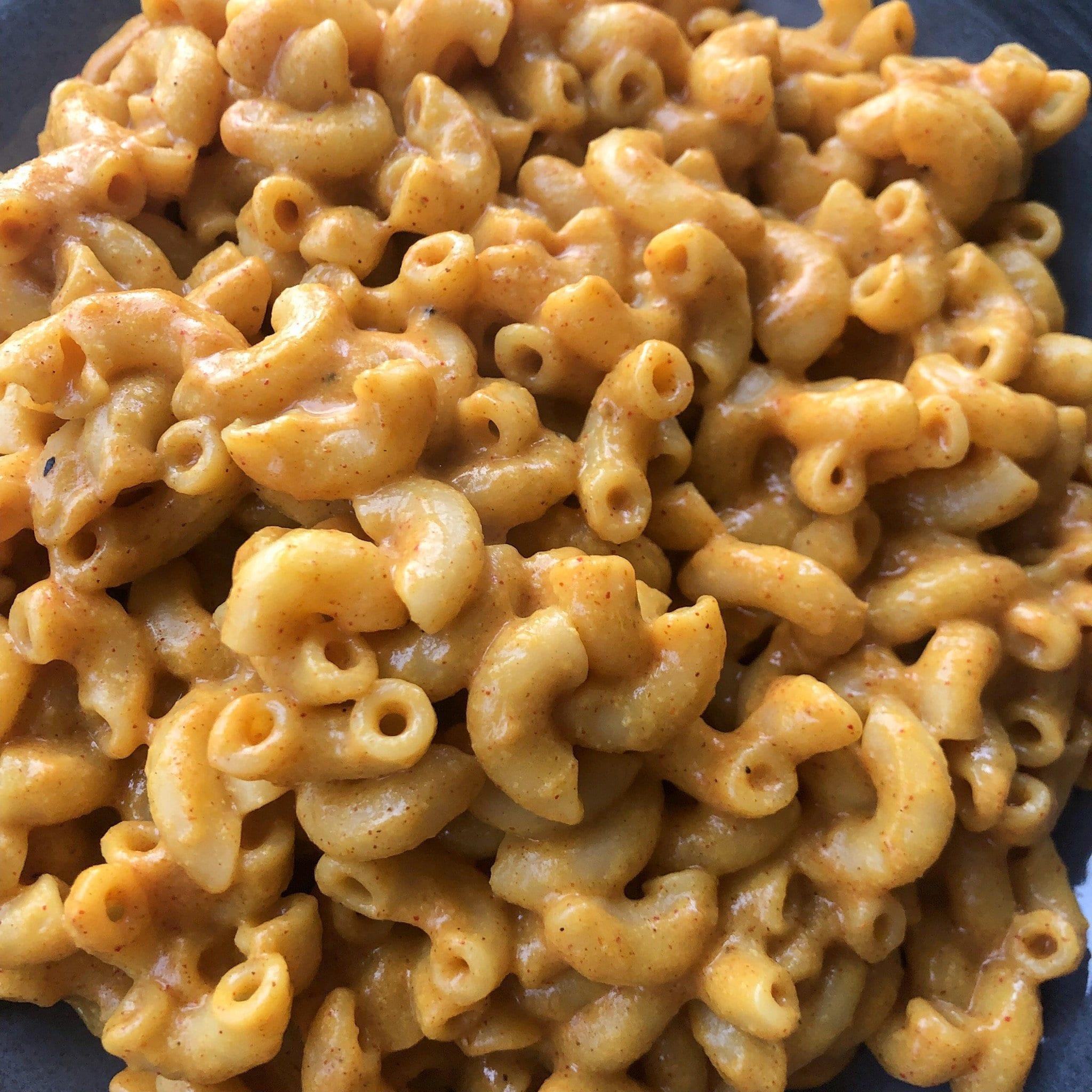 mac and cheese close up