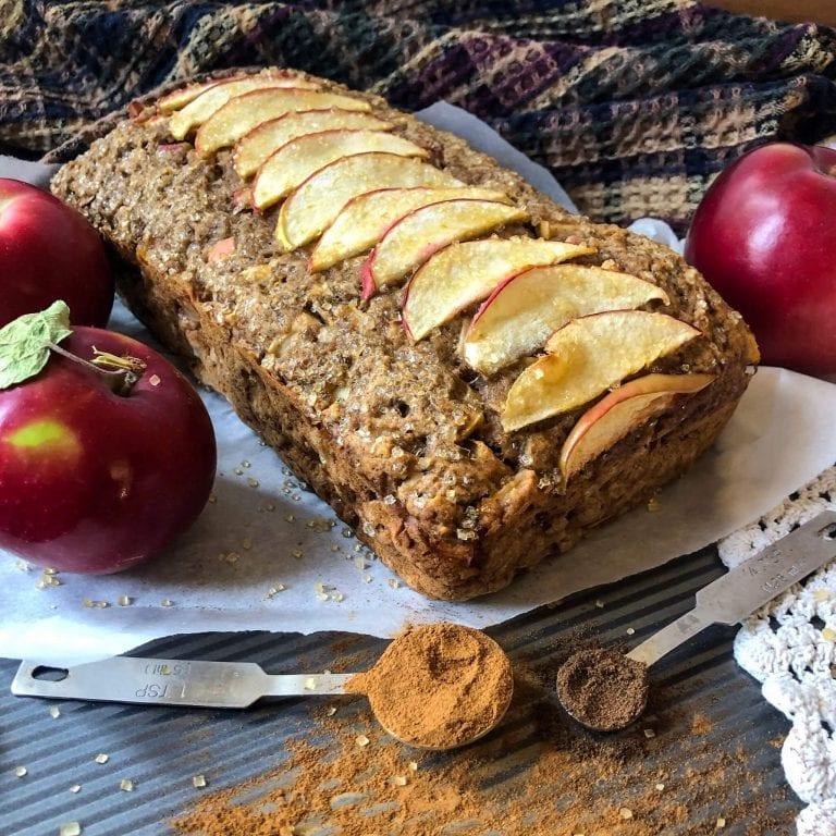 apple pie bread zoomed in