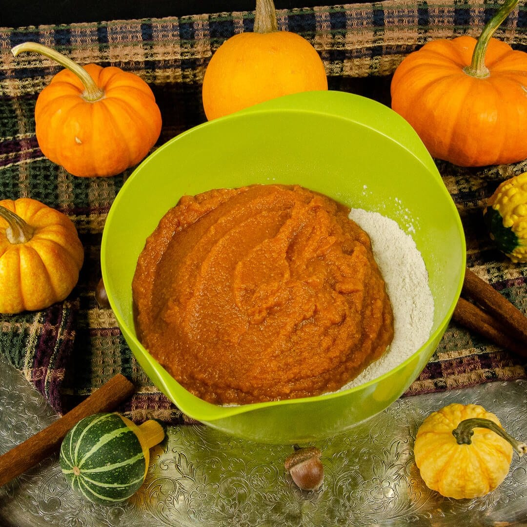 pumpkin muffin ingredients mix wet and dry