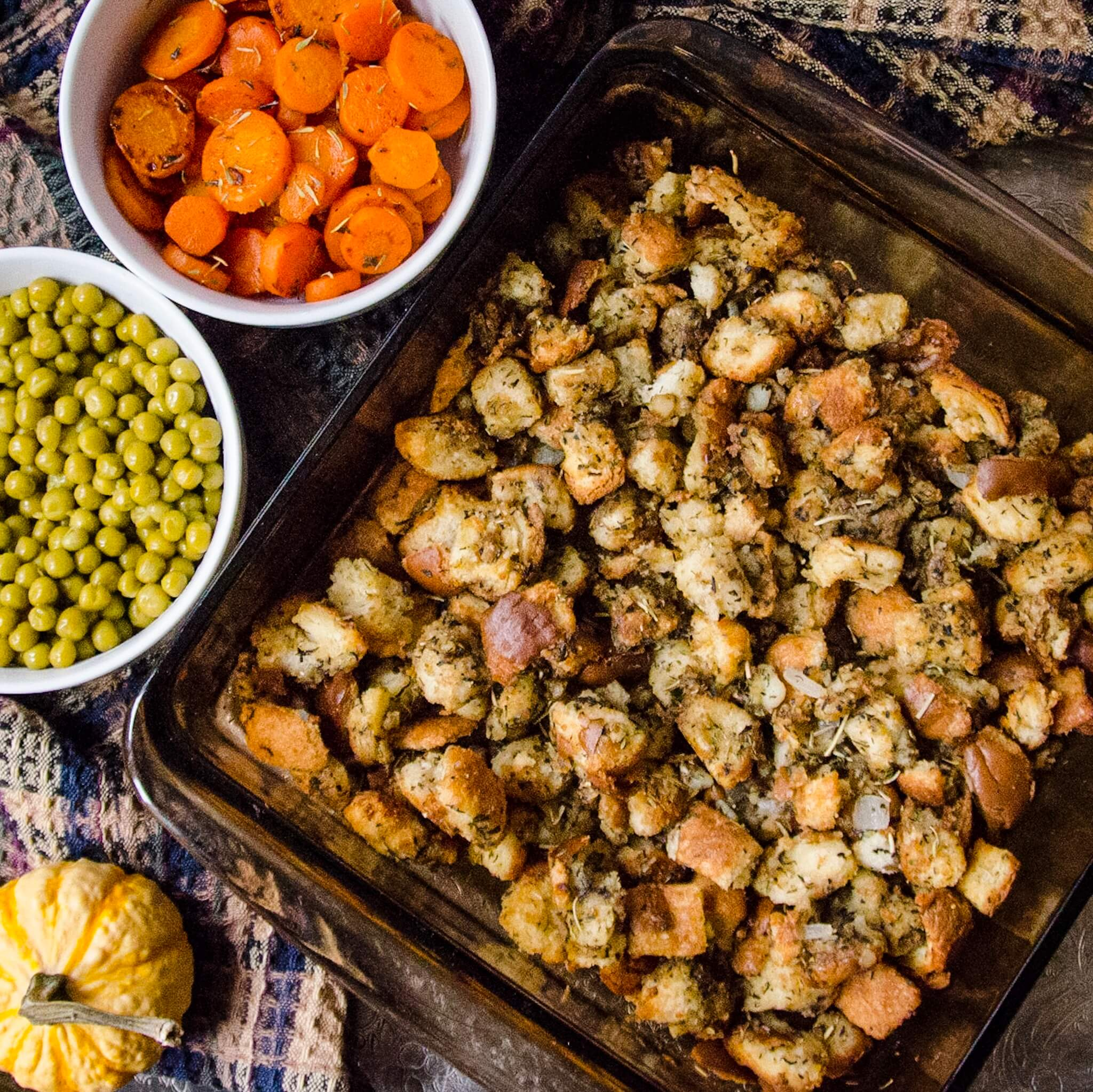 thanksgiving stuffing recipe top down with carrots and peas
