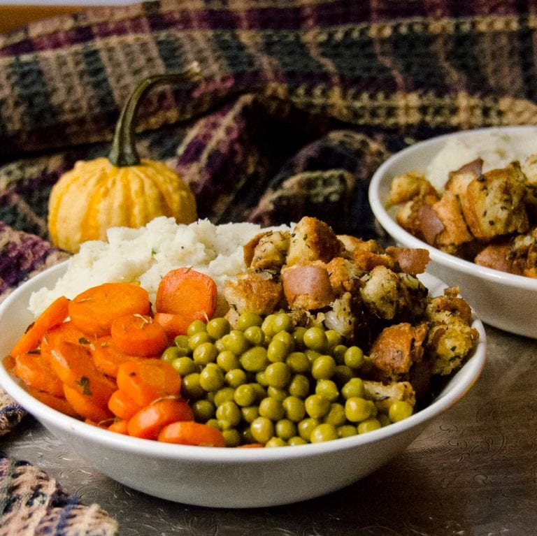 thanksgiving dinner bowls with no gravy