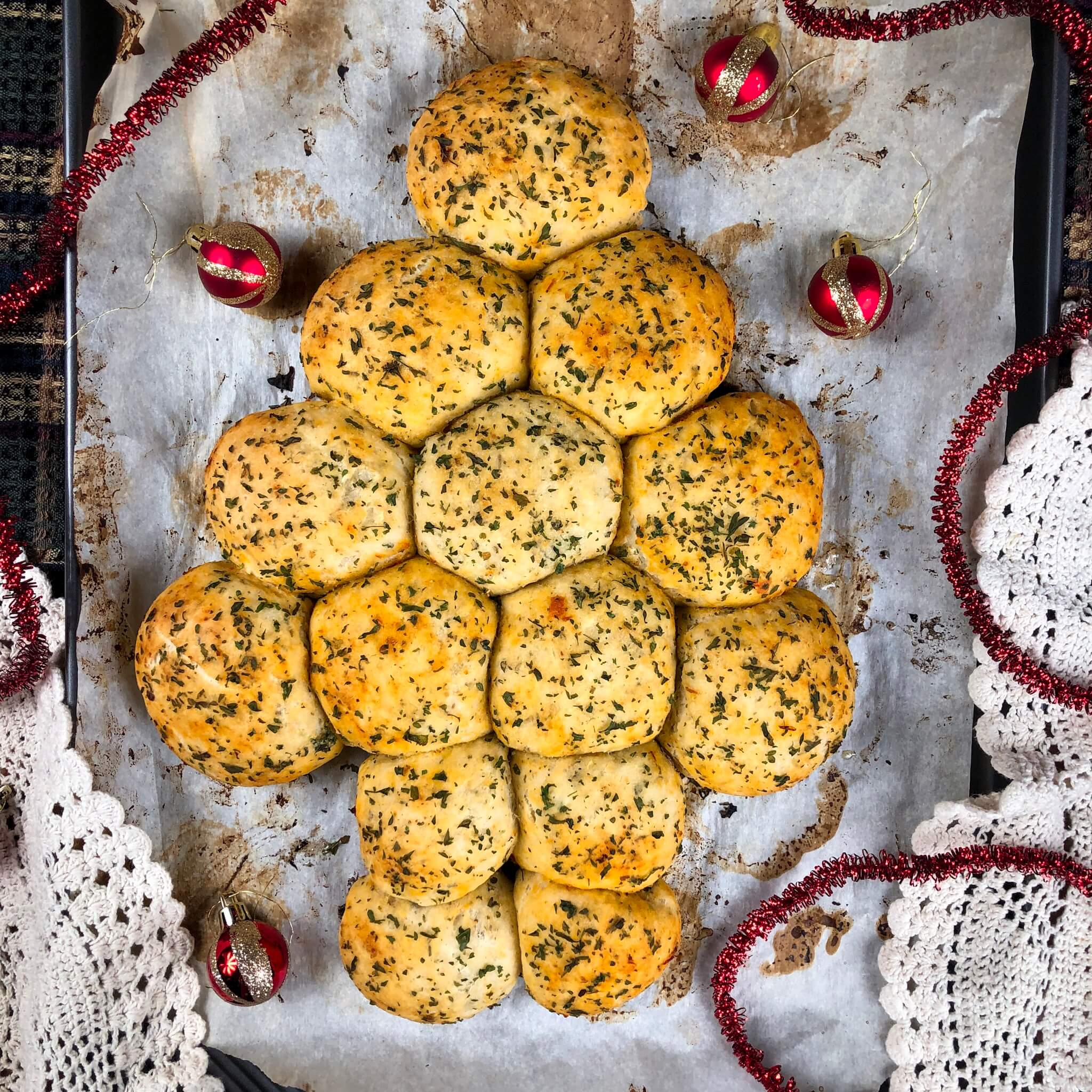 pull apart christmas tree with decorations