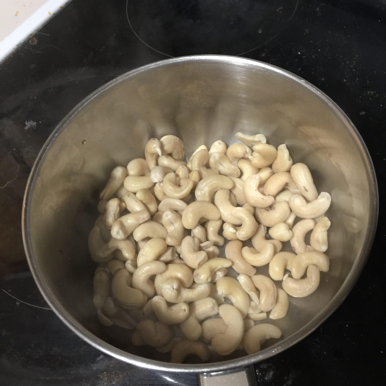 boiled cashews