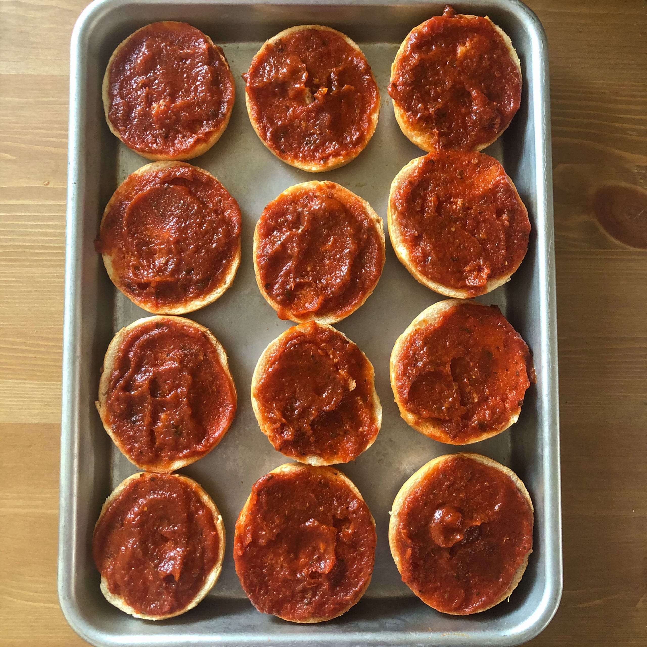 bagel pizza sauce